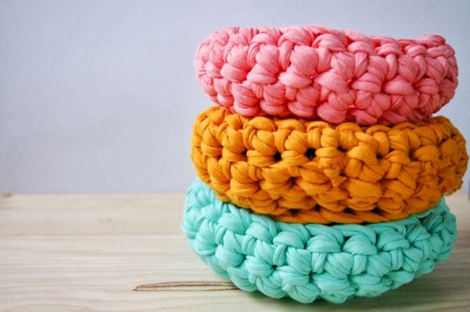 Les corbeilles couleur pastel