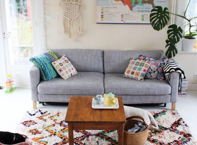 Un tapis boucherouite dans le salon