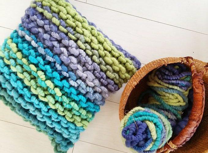 DIY : une housse de coussin en tricot XXL