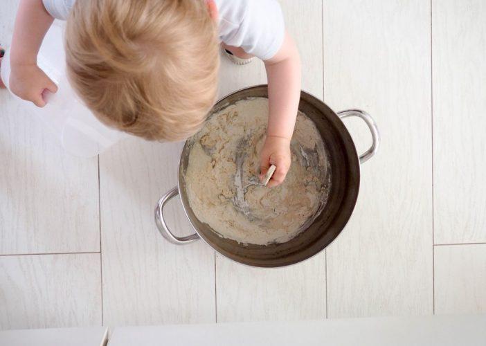 La recette de la peinture extérieure à la farine ou peinture suédoise