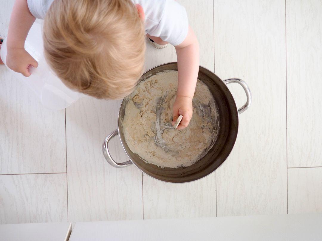 la recette de la peinture ext rieure la farine ou peinture su doise. Black Bedroom Furniture Sets. Home Design Ideas