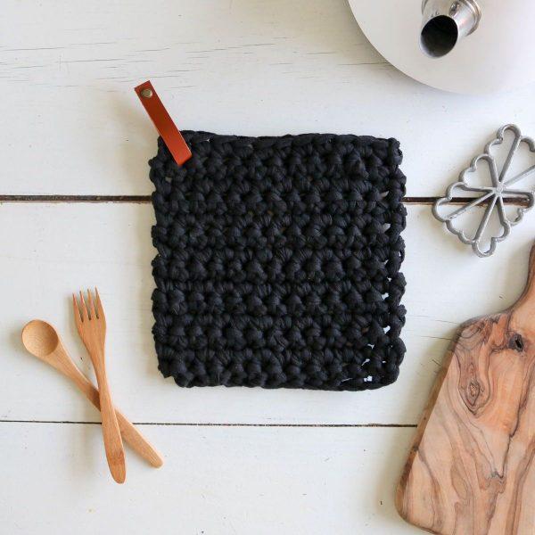manique dessous de plat pose plat7 crochet coton recyclé lien en cuir (3)